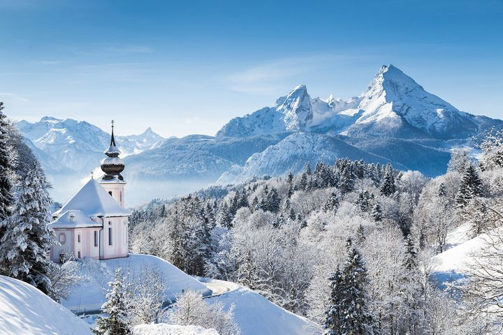 Kaum etwas verzaubert im Winter mehr als Landstriche, die in Schnee und Eis getaucht sind.