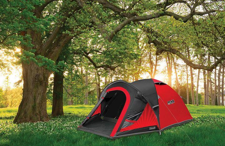Die Blackout-Technologie bei diesem Zelt von Coleman hält 99 % des Tageslichts fern.