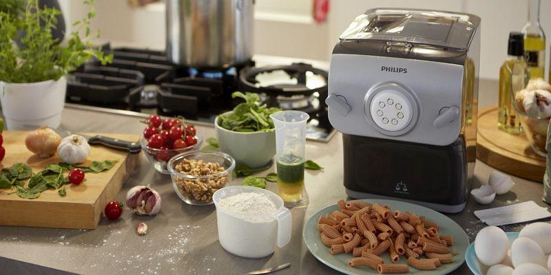 """Der """"Pastamaker"""" von Philips zaubert in nur wenigen Minuten frische Nudeln."""