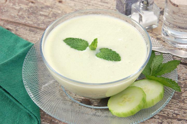 Suppe, Tsatsiki, Smoothie-Bestandteil: Gurken sind ein kalorienarmer Alleskönner in der Küche.