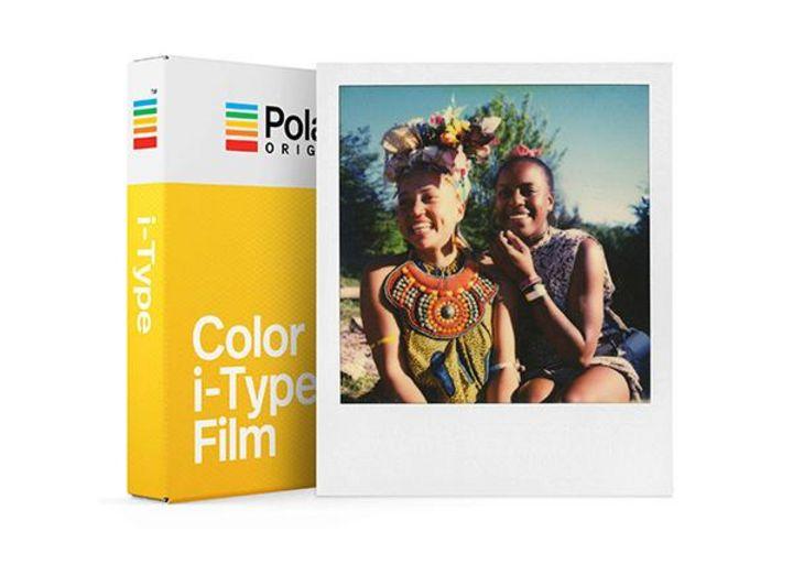 Mit einer neuen Generation von Sofortbildfilmen im Originalformat bietet die Marke gleich das passende Zubehör
