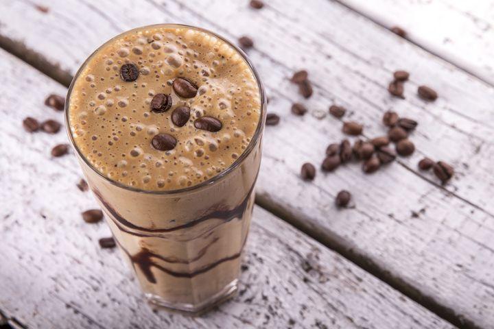 Smoothies und Kaffee passen gut zusammen.