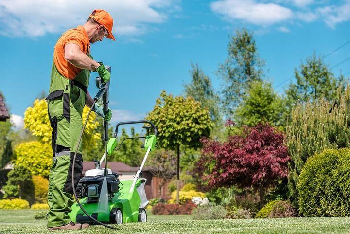 Das Gehäuse des Rasenmähers lässt sich gut mit Hochdruck reinigen.