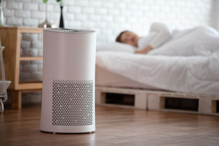 Luftreiniger im Schlafzimmer sollten einen Nachtmodus besitzen.