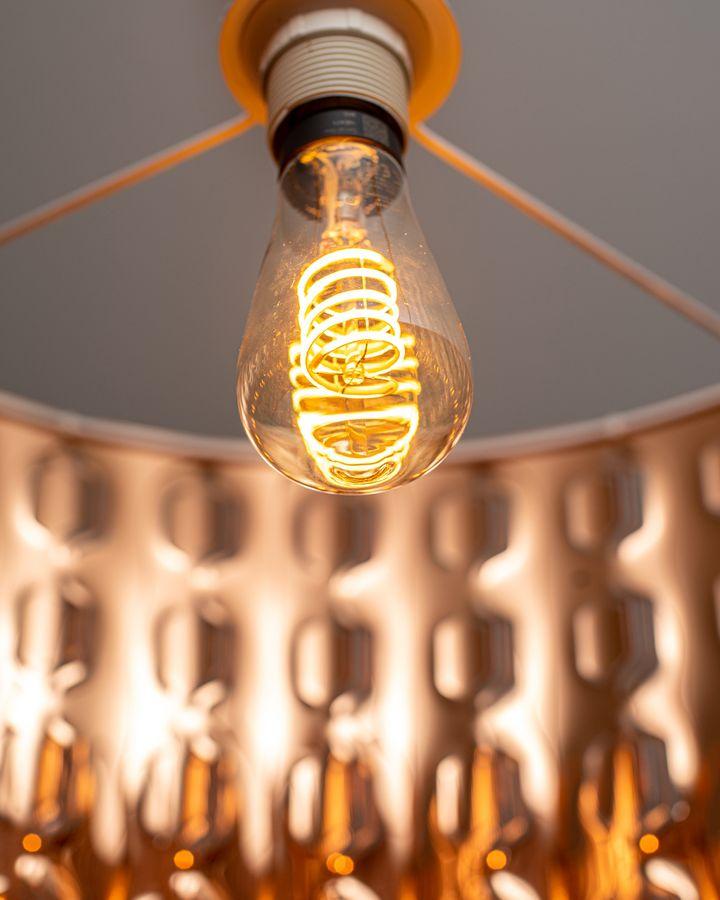 Die Retro-Lampen von Philips sorgen für eine besondere Stimmung.
