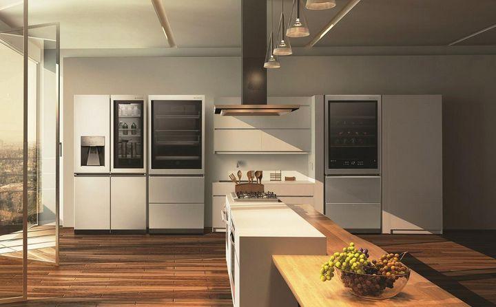 """High-End-Features wie Temperatursensoren, Liftfunktionen, Touchscreens und Automatikprogramme, z.B. bei der Küchenedition """"LG Signature"""", sind Merkmale smarter Küchen."""