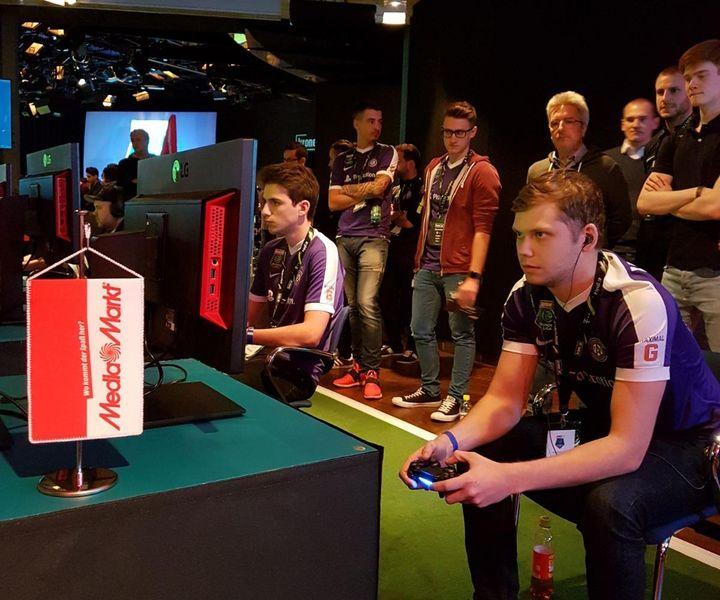 In neun Runden traten die Finalisten gegeneinander an.