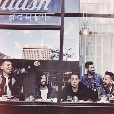 """Linkin Park präsentieren neuen Song """"Heavy"""" und kündigen Album """"One More Light"""" an"""