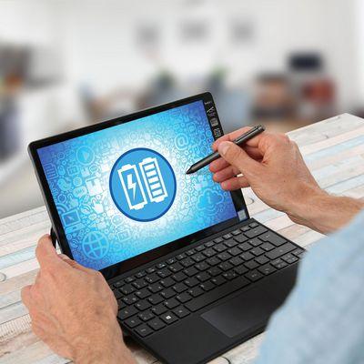 Windows 10 bietet Energiesparpläne, um die Energienutzung des Computers und die Akku-Laufzeiten zu optimieren.