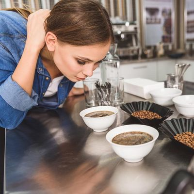 Kaffeearomen werden mit Nase und Zunge bestimmt.