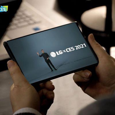 Das Display lässt sich auf die Größe eines Tablets ausrollen.