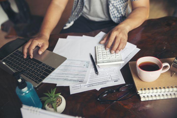 Aufträge, die hohe Konzentration erfordern, im Homeoffice morgens oder abends erledigen.