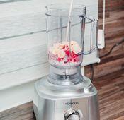 """Frozen Joghurt mit dem Mixer der Kenwood """"MultiPro Express"""" zubereiten."""