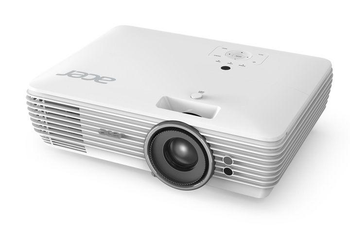 """Die beiden Projektoren """"V7850"""" und """"H7850"""" werfen Bilder in 4K-Auflösung (3.840 x 2.160) auf einer Fläche von bis zu 120 Zoll an die Wand."""