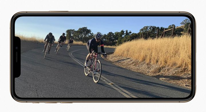 Super Retina nennt Apple die neuen in zwei Größen verfügbaren OLED Displays.