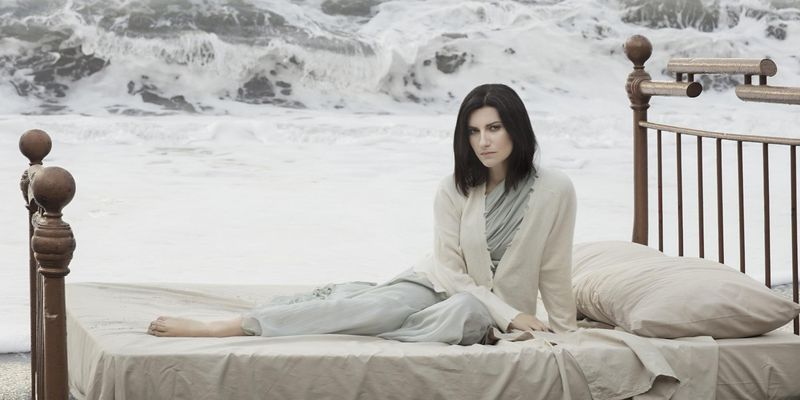 """Laura Pausini veröffentlicht ihr Album """"Fatti Sentire""""."""