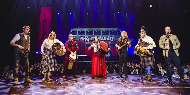 """The Kelly Family veröffentlichen ihr Album """"We Got Love – Live""""."""