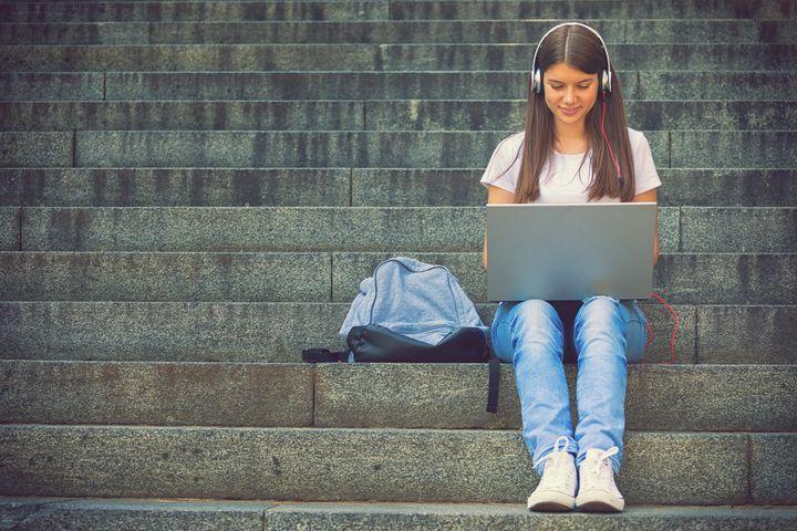 Lange Akkulaufzeit ermöglicht unabhängiges Lernen.
