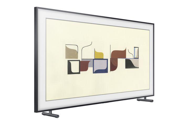 """Ein Fernseher, der im ausgeschalteten Zustand zum High-Tech-Bilderrahmen wird – das ist """"The Frame"""" von Samsung."""