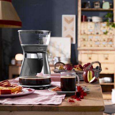 """Die Filterkaffeemaschine """"Clessidra"""" von De'Longhi."""