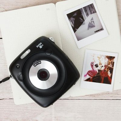 Analog trifft digital: instax SQUARE SQ10.