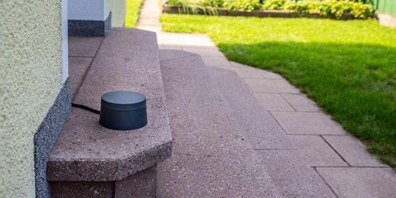 dLAN Wifi Outdoor von devolo: Störungsfreies Surfen und Streamen im Garten.