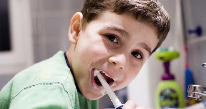 Spaß beim Zähneputzen.