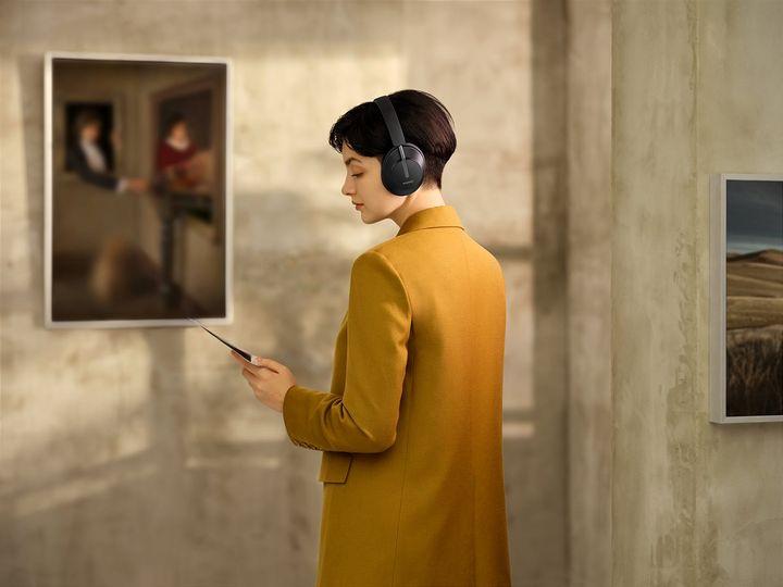 Die Kopfhörer sorgen für angenehme Stille.