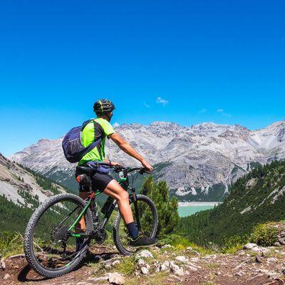 Schwingen Sie sich aufs Rad und meistern Sie die nächste Tour!