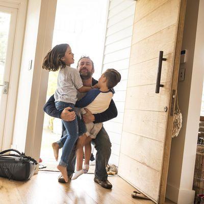 Smarte Türklingeln lassen sich einfach einrichten und ergänzen das Smart Home ideal.