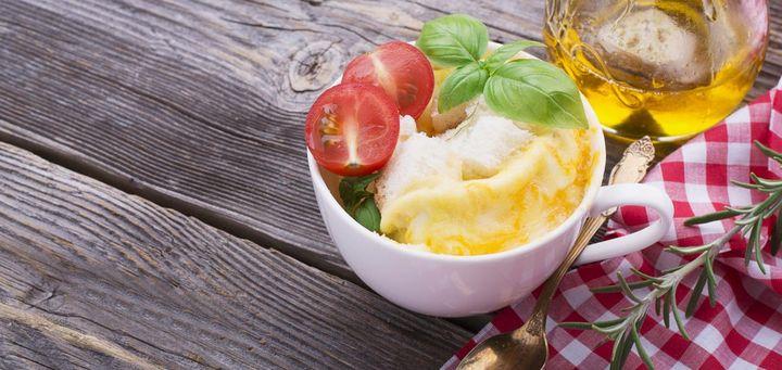 Omelette in der Mikrowelle oder im Ofen zubereitet.