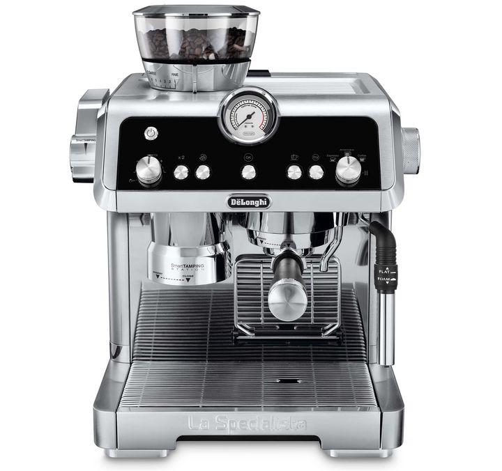 """Bis 30 September haben Sie die Chance 6 kg Kaffee der Lavazza """"Barista""""-Range und eine De'Longhi """"La Specialista"""" zu gewinnen."""