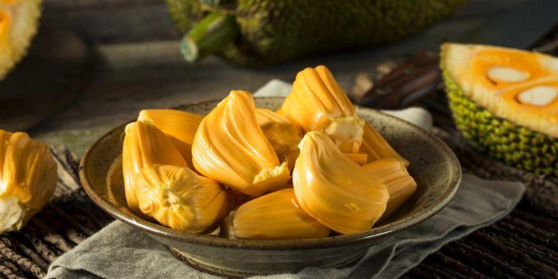 Die Jackfruit überzeugt mit ihren besonderen Eigenschaften.