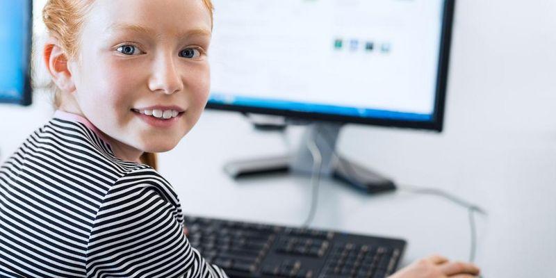 Tastatur und Maus für Schüler