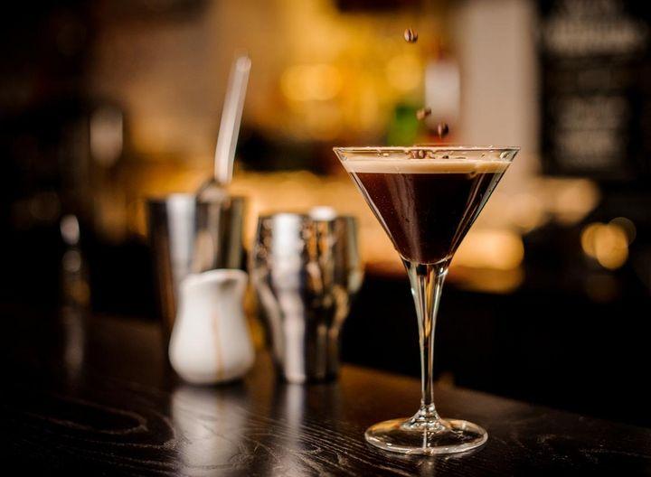 Unkonventionelle Kaffeecocktails können mit Fruchtessig verfeinert werden.