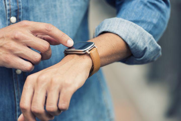 Smartwatch mit Lederarmband