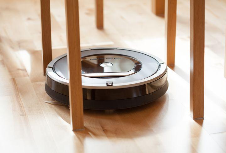 In einer aufgeräumten Wohnung kann der Roboter besser staubsaugen.