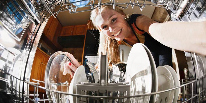 Geschirrspüler perfekt einräumen: 5 Tipps für sauberes Geschirr.