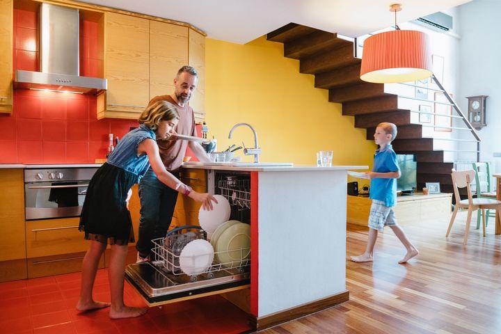 Geschirrspüler in der Küche.
