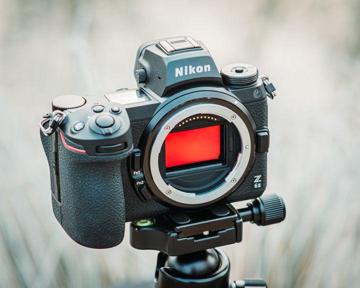 """Das Gehäuse der Nikon """"Z6 II""""."""