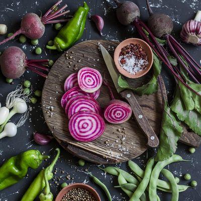 In den kommenden Monaten lassen sich mit Bodenschätzen wie Pastinaken, Erdmandeln, roten Rüben oder Süßkartoffeln köstliche und gesunde Mahlzeiten zubereiten.