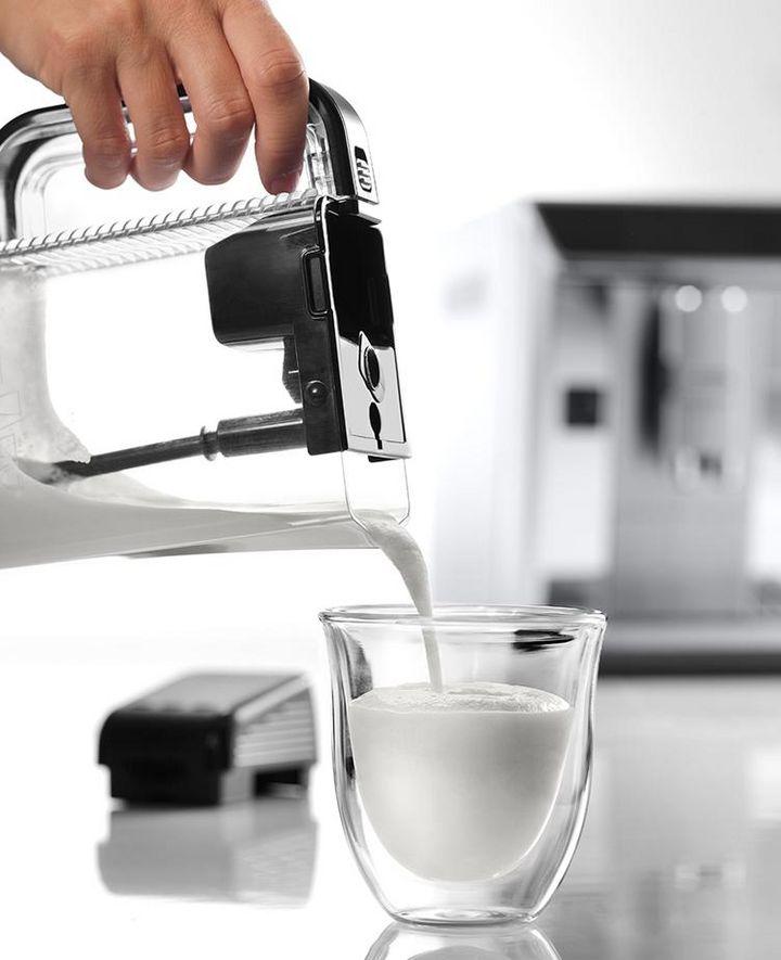 Mit dem neuen Mixbehälter gelingen kalte wie heiße Kaffeekreationen.