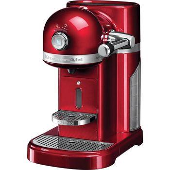 Die KitchenAid Artisan Nespressomaschine 5KES0503: Das kräftige Rot und der zubereitete Kaffee sind Muntermacher.