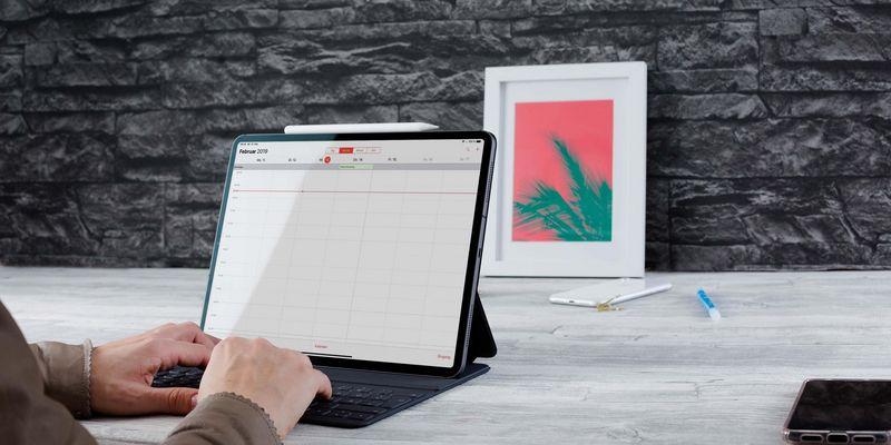 Monitor am iPad Pro anschließen.